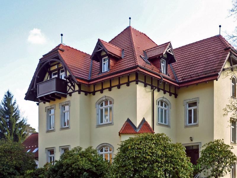 Klotzsche, möblierte 4-Zimmerwohnung mit Balkon im grünen Villenviertel