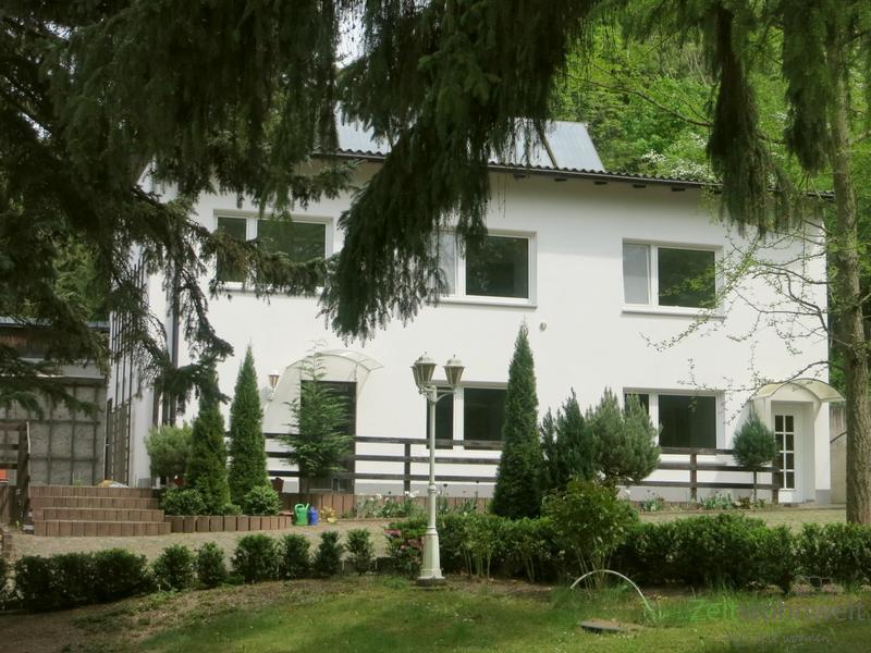 Bischleben, möbliertes Einfamilienhaus in traumhaft ruhiger Lage am Waldrand, Full-Service